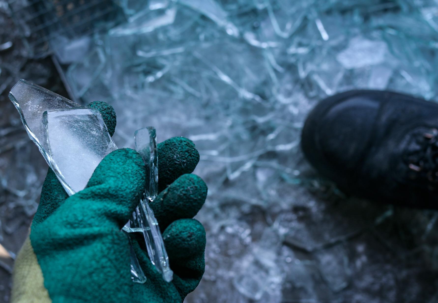 Veilig glas opruimen Glasbreuk Herstel®